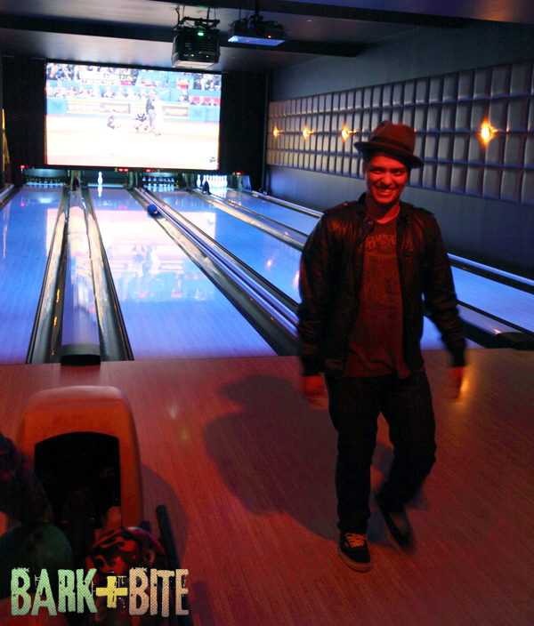 Bruno_bowling_tall