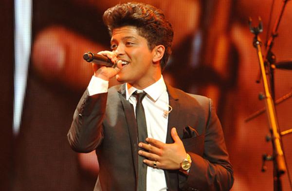 Brunomars_singing