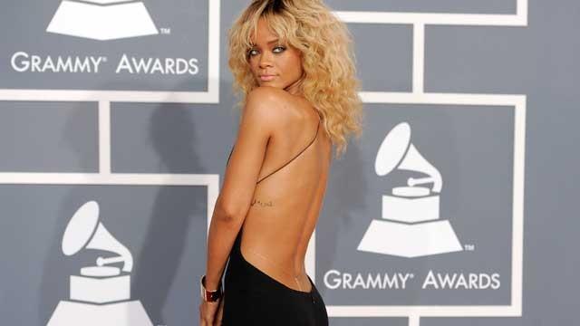 Rihanna_grammys
